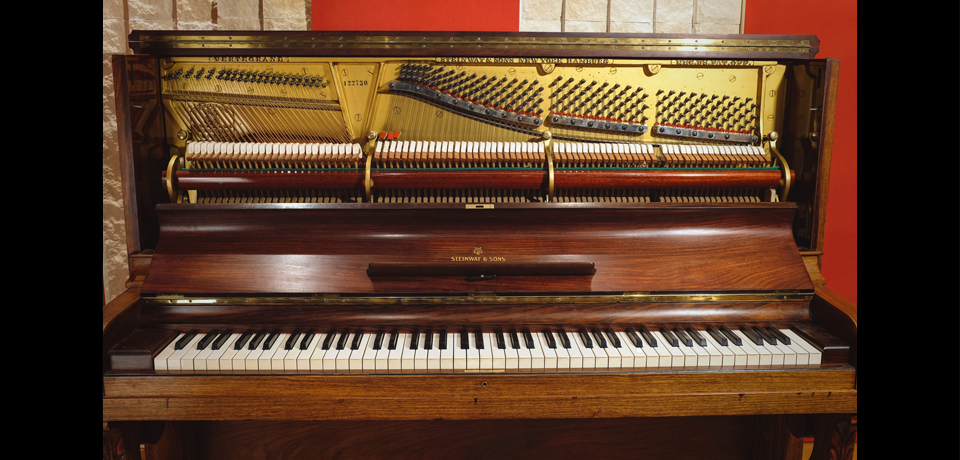 CAVERNE STUDIO - STEINWAY UPRIGHT PIANO MODEL K 1911